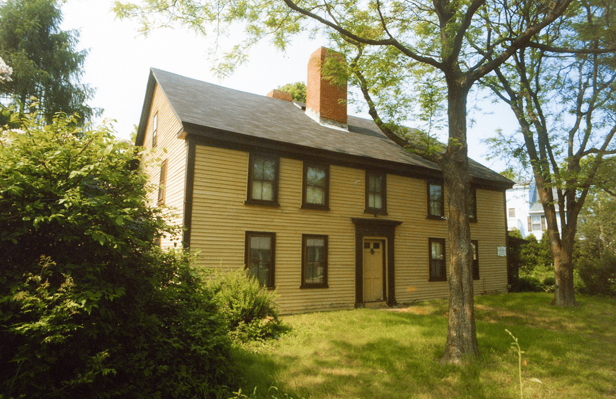 Early Colonial - Dodge Street, Beverly, MA - North Shore Abodes